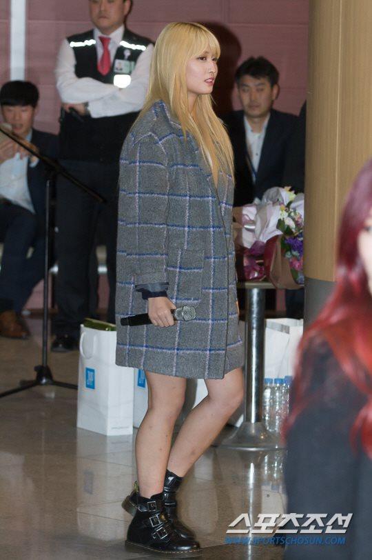 「JYP所属歌手と共に」に出演したTWICEモモ